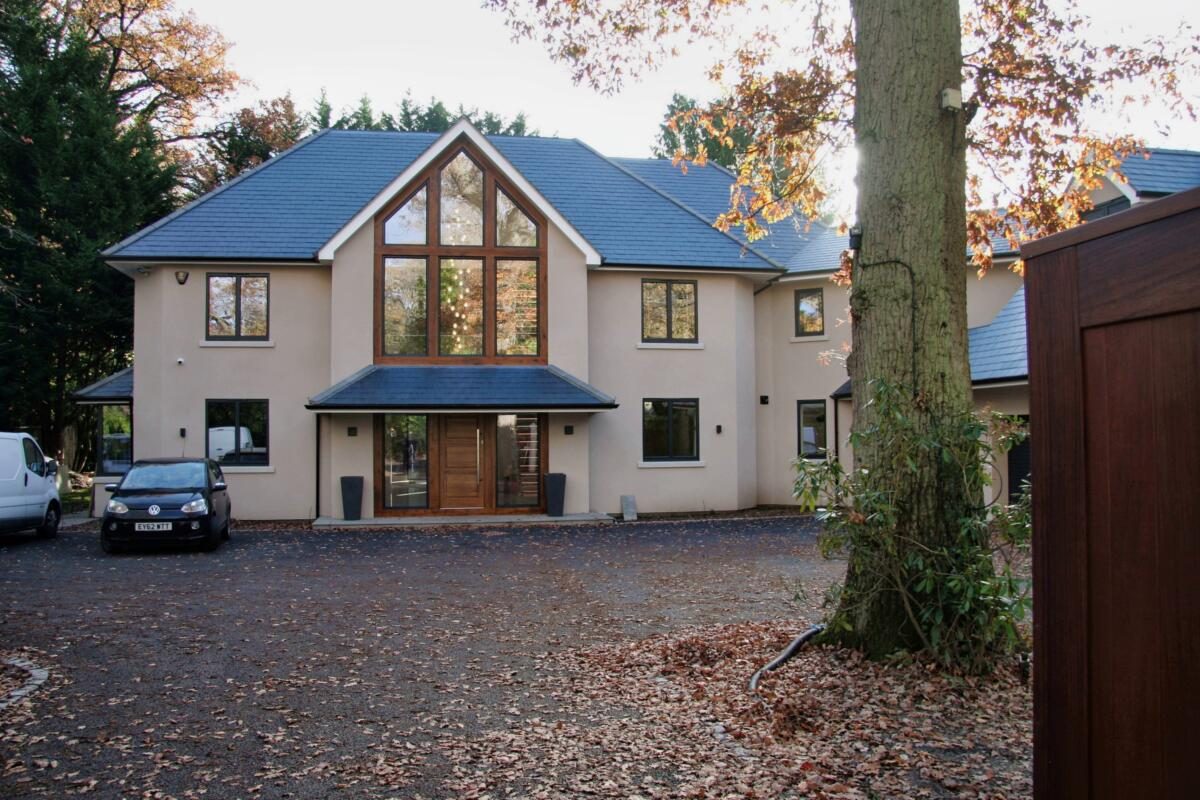 Sunningdale homes LtdHouse extension house builders in Sunningdale, Sunninghill, Ascot, Wentworth, Virginia Water SurreyCall George Pullen on: 07885 237443